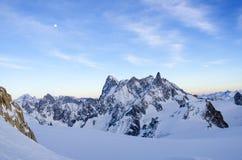 Fjällängar landskap på Aiguille du Midi Arkivfoto