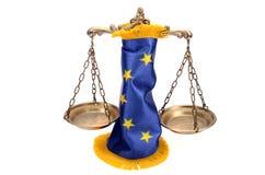 Fjäll av rättvisa och Europeiska union sjunker Fotografering för Bildbyråer