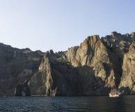 Fjärd av Blacket Sea 2008 crimean berg sörjer sommar Arkivfoton