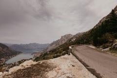 Fjärd av Kotor från höjderna royaltyfri bild