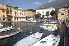 Fjärd sjö Garda, Malcesine, Italien Fotografering för Bildbyråer