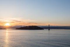 Fjärdbro på gryning Arkivfoton