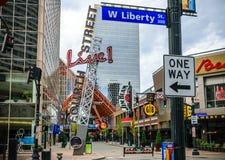 Fjärde gata Live Louisville Kentucky Royaltyfri Bild