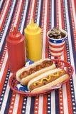 fjärde hotdogs juli Arkivfoto