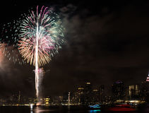 Fjärdedel av Juli fyrverkerier New York City arkivbild