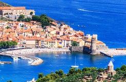 Fjärden av Collioure med kyrklig Notre-Dame des Anges, sydliga Frankrike Royaltyfri Foto