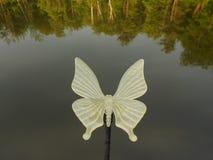 Fjärilsgräsmattaprydnad Royaltyfria Bilder