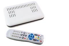 Fjärrkontroll och mottagare för internetTV på den vita bästa sikten Arkivfoto
