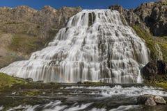 Fjallfoss på Island Royaltyfri Fotografi