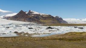 Fjallsarlon冰川湖 免版税图库摄影