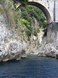Fjord av Furore Arkivfoton