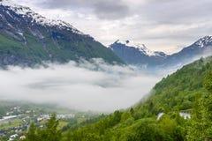 Fjord brumeux Norvège de Geiranger image libre de droits