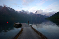 Fjord de coucher du soleil dans Eikesdal Photographie stock libre de droits