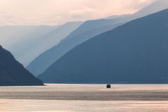 Fjord en Norvège image stock