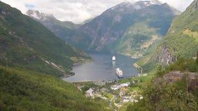 Fjord et montagnes Geiranger, Stranda, Norvège banque de vidéos