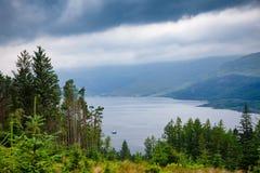 Fjord Goil på Loch Lomond och den Trossachs nationalparken Argyll Royaltyfria Foton
