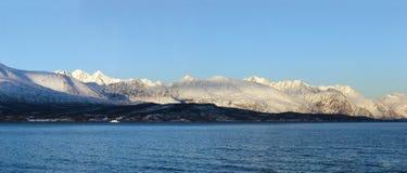 Fjord i vinter Arkivbilder