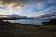 Fjord in IJsland Stock Afbeeldingen