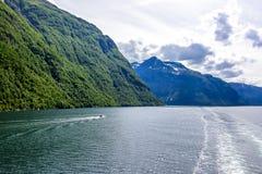 Fjord lodowa siklawy skandynawa krajobrazu seascape Zdjęcie Stock