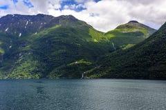 Fjord lodowa siklawy skandynawa krajobrazu seascape Obraz Stock