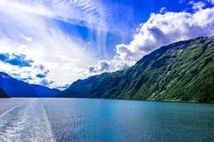 Fjord lodowa siklawy skandynawa krajobrazu seascape Zdjęcia Royalty Free