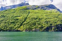 Fjord lodowa siklawy skandynawa krajobrazu seascape Zdjęcia Stock