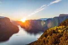 Fjord Norvège de Stegastein Aurland photos stock