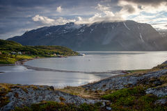 Fjord norvégien avec l'île Photographie stock