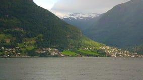 Fjord in Norwegen - Natur- und Reisehintergrund stock video