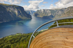Fjord norweski krajobraz Stegastein punkt widzenia Aurland visitant fotografia stock