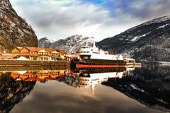 Fjord rejs przy Flama, Norwegia zdjęcia stock