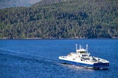 Fjord1 ROMSDALFJORD在Romsadalfjord,挪威的 免版税库存照片