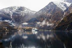 Fjord- und Ozeandampfer Lizenzfreies Stockbild