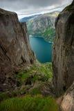 Fjordansicht vom Berg Stockbild