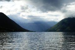 Fjordar i Montenegro arkivbild