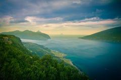 Fjorden in Noorwegen Stock Foto's
