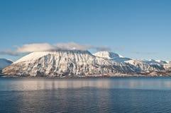 Fjords i Norge nära Skibotn Royaltyfri Foto