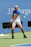 Fjorton mästare Rafael Nadal för storslagen Slam för tider av Spanien öva för US Open 2015 Royaltyfri Foto