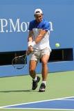 Fjorton mästare Rafael Nadal för storslagen Slam för tider av Spanien öva för US Open 2015 Royaltyfria Foton