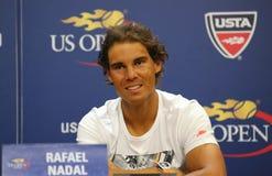 Fjorton mästare Rafael Nadal för storslagen Slam för tider av Spanien under presskonferens för US Open 2015 arkivfoto
