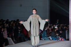 Fjortonde serie, gästfriheten av åren som lämnar fläck-mode show Royaltyfria Foton