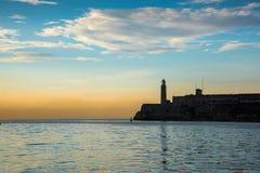 Fjärd med slotten för El Morro i havannacigarren, Kuba Arkivbilder