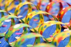 Flámula de papel colorida en el partido del carnaval Imagen de archivo libre de regalías