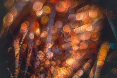 Flâmulas douradas com brilho efervescente - fundo dos feriados do Natal Fotos de Stock Royalty Free