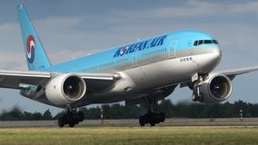 Fläche B777-2B5/ER Korean Air Lizenzfreie Stockfotos