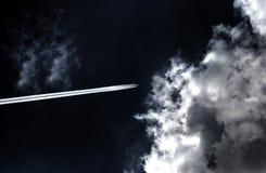 Fläche in den Wolken Lizenzfreie Stockfotografie