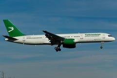 Fläche Turkmenistans Boeing 757 Stockbilder