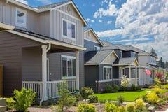 Flächen-Häuser in der nordamerikanischen neuen Unterteilung Lizenzfreie Stockfotografie