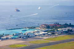 Flächenansicht des Mannes und des Flughafens Transportes Bewohner der Malediven stockbild