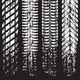 Fläckar för Grunge gummihjulspår på black stock illustrationer